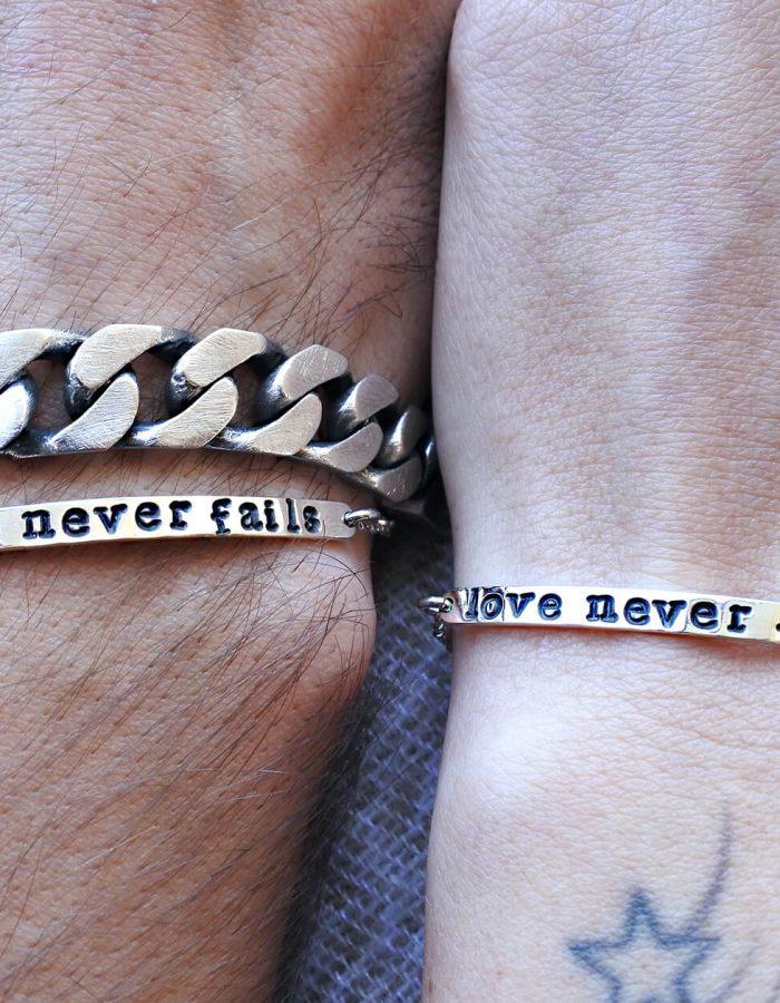 vero affare up-to-date styling cerca autentico Coppia di bracciali targhetta incisa in argento 925 - personalizzabili
