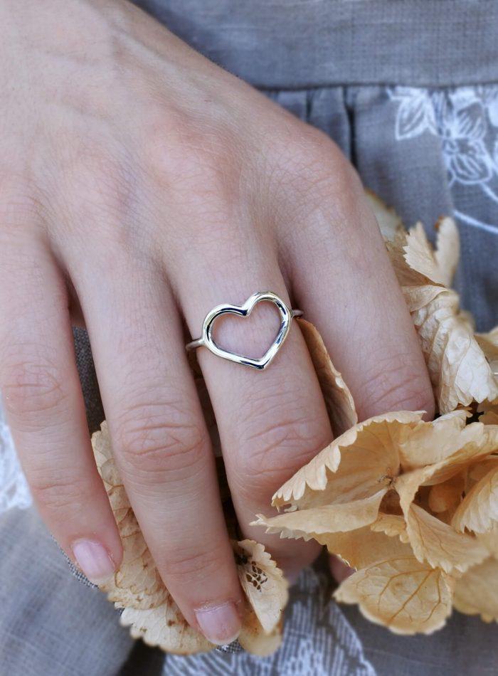 anello cuore vuoto